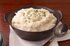Puré de papas (Zesty mashed potatoes)
