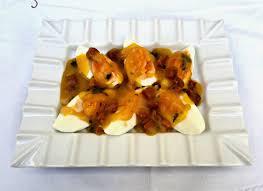 Huevos Mollets con salsa de vino