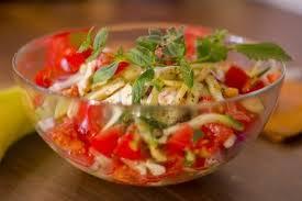 Ensalada de tomate y aceite de menta