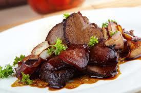 Pavo en salsa de asado negro