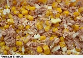 Ensalada de huevos y maíz