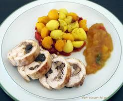 Pollo relleno de frutos secos al vapor