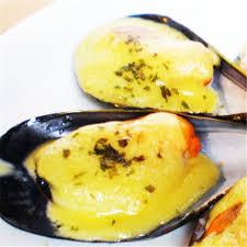 Mejillones con Mantequilla, Ajo y Perejil