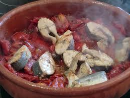 Graixonera de llampuga amb pebres verrmells (cazuela de lampuga con pimientos rojos)
