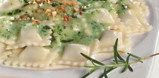 Raviolis con crema de espinacas