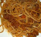 "Espaguetis ""a la chitarra"" con ragú de carnero (zona Abruzzo)"