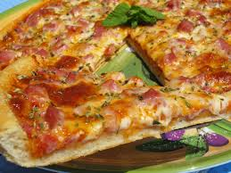 Pizza crujiente tradicional