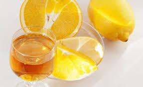 Licor de naranja y vodka