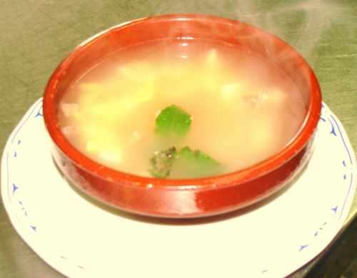 Sopa de pan con jamón