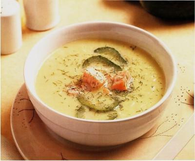 Sopa de pepino con salmón