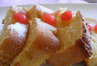 Bizcochos de polenta con cerezas