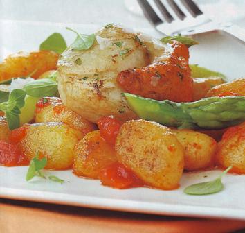 Ñoquis de patata con vieiras y orégano