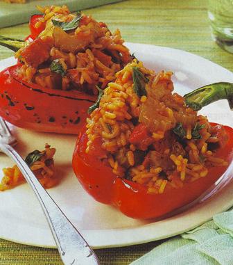 Pimientos rellenos de arroz y verduras