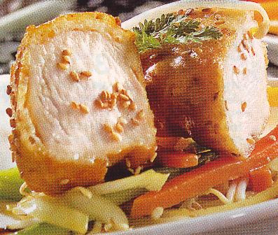 Pollo rebosado con sésamo y verduras de la huerta
