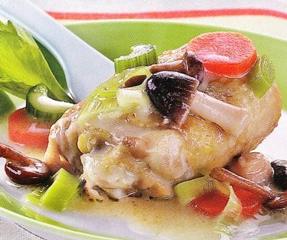 Estofado de pollo con setas y verduras