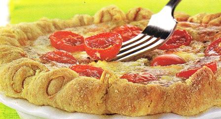 Tarta de tomate y queso a la albahaca