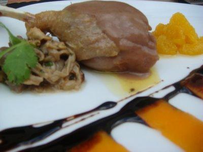 Jamoncitos de pato rellenos de foie
