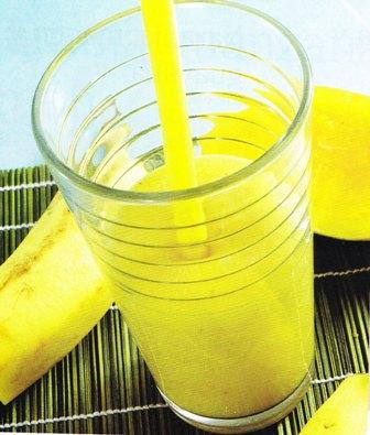 Bebida: Jugo de piña, mango y plátano