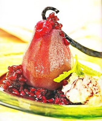 Peras rellenas con frambuesas con salsa de granada