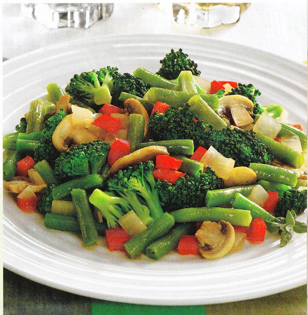 Rollitos de col rellenos de arroz y verduras