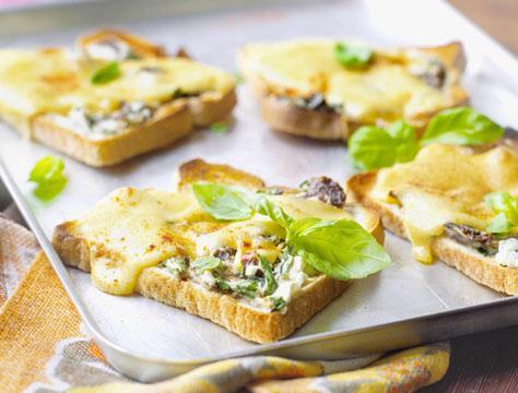 Tostadas de queso al horno