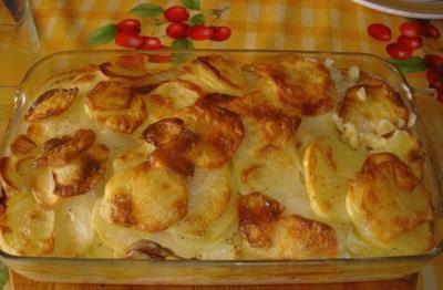 Patatas con nata al horno