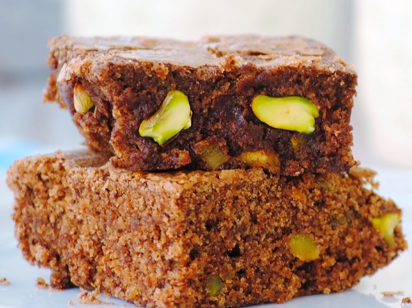 BROWNIE DE CHOCOLATE Y PISTACHOS